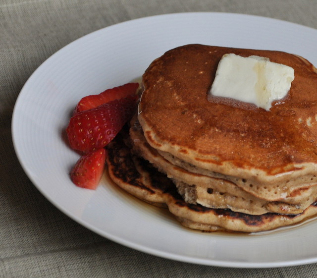 Gingerbread Oatmeal Pancakes: Weekends Worth Living For