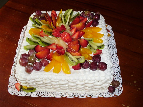 Pastel decorado con frutas - Imagui