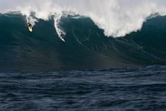 Todos Santos - Gabriel Villarán, Dave Wassel (nathangibbs) Tags: méxico big ride wave event santos ensenada todos todossantos heat2 canon70200mmf28l canoneos30d gabrielvillaran davewassel