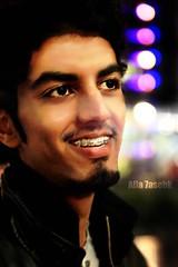 ابتسم؟ يظهر عليك الابتسام ..احزن؟ ويظهر عليك انك حزين (★Ᾰΐΐα-7αseβκ) Tags: london me night canon eos shot bokeh d mark united kingdom ii alla 7asebk