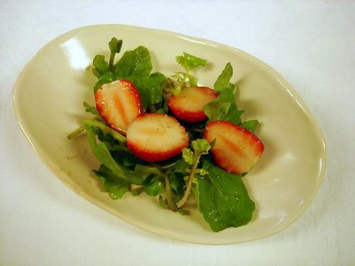 かたつむり 苺のサラダ