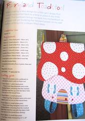 Bolsa- molde,instrucoes,pap contido no livro Kaleidoscope-Melly and me (Bau de pano) Tags: me de pano artesanato craft australiano papa livro bolsa bicho melly tutorial molde importado