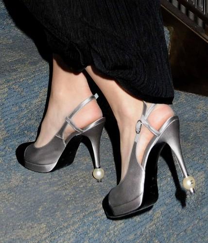 Blake Lively feet (6)