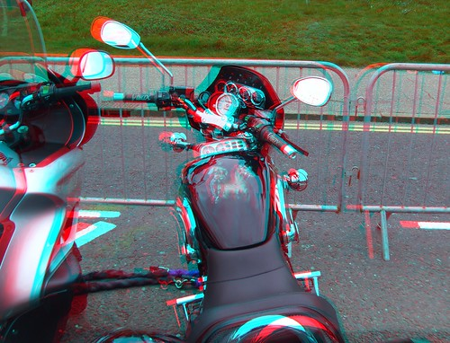 4493339953 ca67cfb89b Motorbikes motorcycle in anaglyph 3D Southend Shakedown 2010, custom paint job