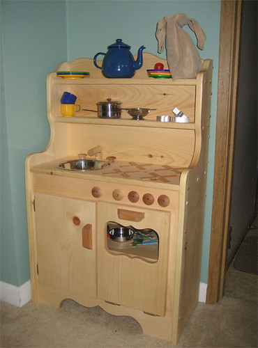 Hannah's new play kitchen