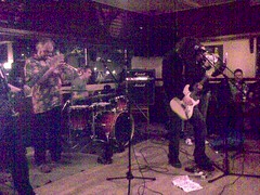 201004161604 (ekurvine) Tags: music bar finland restaurant helsinki band lauttasaari