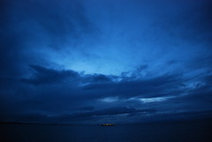 Mar de lejos (gastelummoller) Tags: world ocean sea canada love ferry night atardecer mar cool nikon britishcolumbia creative national geographic horizonte straitofgeorgia bcferry nocturnes platinumphoto estrechodegeorgia