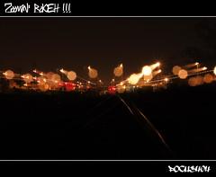 Zoomin' Bokeh !!! (FOCUS404) Tags: longexposure color night canon eos focus bokeh rail urbanexploration 93 fr couleur sncf zooming urbex expositionlongue rerb sigma1770mm 400d