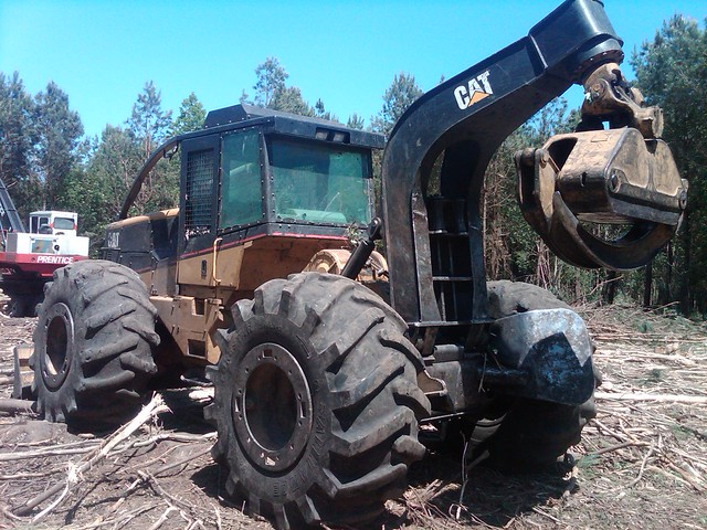 CAT 525B Skidder with Winch in NC 01 by Jesse Sewell