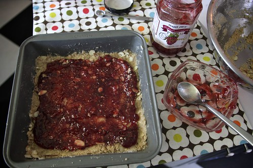 raspberryalmondbars (3)