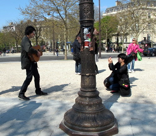 Japanese Elvis in Paris