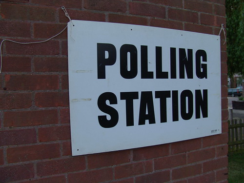 UK-polling-station-and-signs-20050505-General-Election-5-DHD