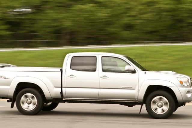 motion blur brooklyn speed highway driving fast dodge ram 1500 beltparkway