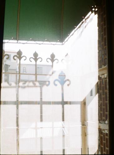 早晨的窗影