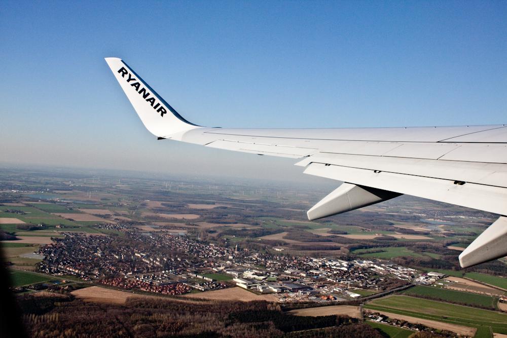 Ryanair, wing.