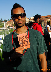 PICK FROS NOT FIGHTS! UCLA ReggaeJazz Fest - Day 1 (17 of 20) (FROLAB) Tags: hair peace natural afro jazz ucla pick reggae fest fro fights fros frolab pickfrosnotfights frospotting frospotted missfrolab