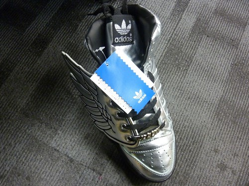 Jeremy Scott wings05
