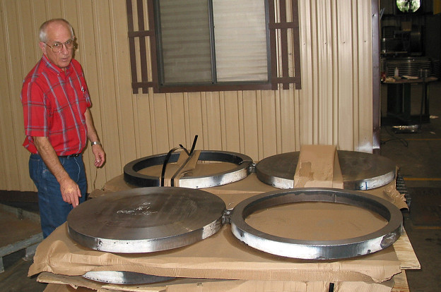 """30"""" Diameter Spectacle Blinds for a Petroleum Plant in Texas"""