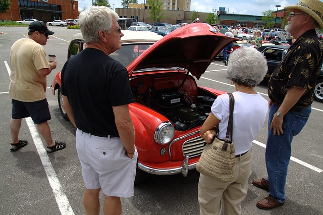 People around a Mini