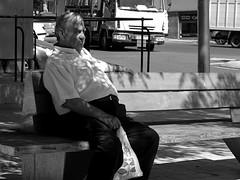 A la sombra/In the shadow (Joe Lomas) Tags: madrid street leica espaa calle spain candid reality streetphoto urbanphoto realidad callejero robado robados realphoto fotourbana fotoenlacalle fotoreal photostakenwithaleica