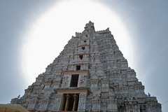 Towers II (Siva_K) Tags: morning sun tower vishnu entrance east hindu hinduism tamil tamilnadu whitetower srirangam gopuram vaishnava ranganathaswamy keezhavaasal