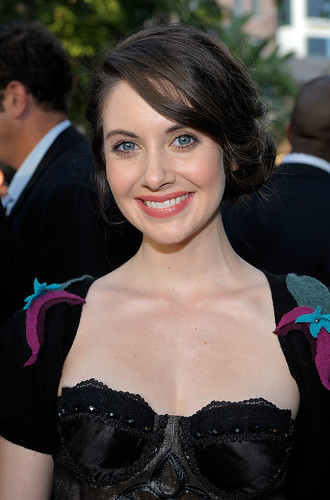 alison brie twitter. Awards: Alison Brie