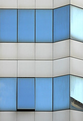 Sequence and Square (zerantuno) Tags: blue white abstract glass architecture square nikon minimal d80 zerantuno casoni