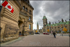 Ottawa, Capitale du Canada | Capital of Canada (Guylaine Begin - PhotosNature) Tags: ontario canada tower clock leaf cityscape flag ottawa 101 100 horloge parlement hdr 1000 155 feuille drapeau eastblock centreblock 1368 paysageurbain langevinblock collineduparlement perliament hdrtonemapped capitalofcanada dificeducentre capitaleducanada dificelangevin dificedelest perliamenthill tourdelapaixpeace drablemapleleafunifoli canadienmaple