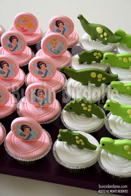 Dinazor ve Pamuk Prenses Cupcake