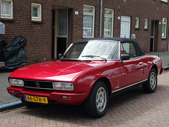 Peugeot 504 cabrio 1983 (Ardy van Driel) Tags: 88gtr9 car softtop