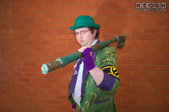 IMG_1796.jpg (Neil Keogh Photography) Tags: gloves tie dccomics theriddler shirt bowlerhat pants tv jacket questionmark videogames film male boots purple batman suit manchestersummerminicon cosplay cosplayer black green glasses comics walkingcane white