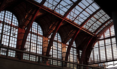 Antwerp Central Station - Arches (bl) Tags: panorama station architecture geotagged iso200 belgium transport belgi transportation antwerp antwerpen architectuur lightroom vervoer canoneos5d ef70200mmf4lusm 1250secatf40