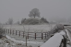 Clonard Motte: Pictures of the Snowy Weather in Ireland during early January 2010 (Peter Mooney) Tags: ireland white snow ice weather outdoors frost country artic meath snowyscene coldsnap thebigfreeze irishlandscapewinter