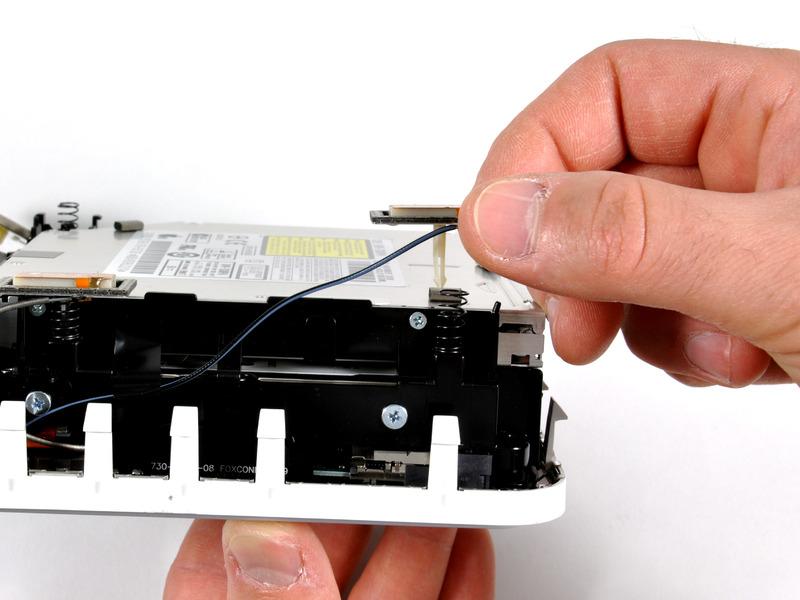 Снимаем антенну Mac mini