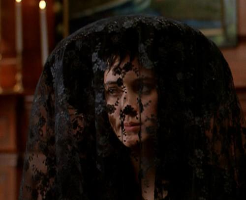 beetlejuice Lydia Deetz lace veil