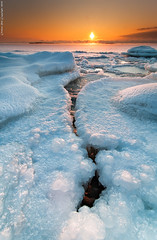 A crack at dawn (Rob Orthen) Tags: winter sea ice rock sunrise suomi finland landscape nikon europe scenic rob crack tokina 09 scandinavia talvi meri maisema archipelago d300 j uutela gnd 1116 nohdr orthen leefilters roborthenphotography tokina1116 tokina1116mm28 seafinland