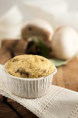 Muffin salati ai funghi e cumino