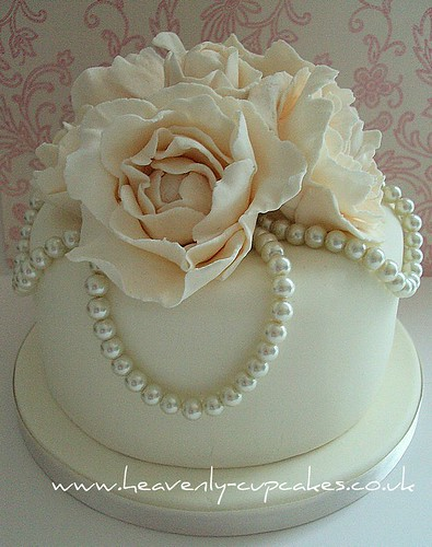 Vintage Pearl Rose Wedding Cake Stubton Hall Nottingham