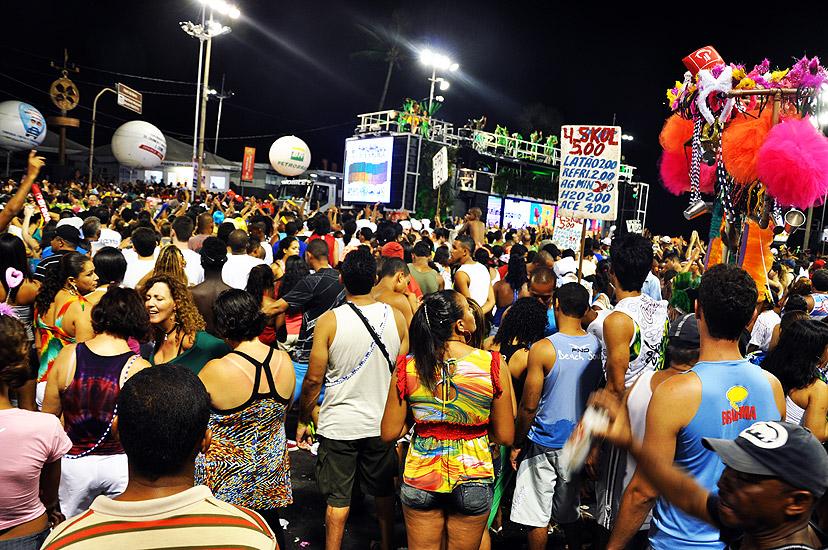 soteropoli.com fotos fotografia salvador bahia brasil verao carnaval trio eletrico axe 2010 by tunisio (28)