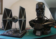 ICONS Tie Fighter Terminator T-600 Bust Sideshow (FelMarWETA) Tags: scale studio star george model icons fighter tie 11 lucas replica bust darth kit wars vader terminator lifesize salvation prop sideshow t600