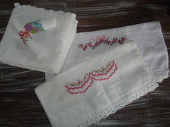 ToAlHaS De LaVaBo (DoNa BoRbOlEtA. pAtCh) Tags: bordados pontocruz toalhasdelavabo donaborboletapatchwork toalhasbordadas denyfonseca