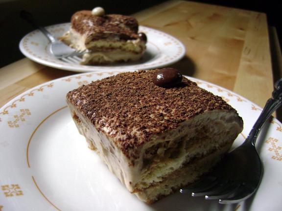 Daring Bakers February: MASCARPONE + SAVOIARDI BISCUITS + ZABAGLIONE = TIRAMISU!