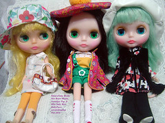 Mrs Retro Mama, Nostalgic Pop & Miss Sally Rice~ (Dolly Paws) Tags: doll dolls rice mama pop retro sugar sally nostalgic blythe neo np miss mrs mrm takara couture brilliant mag tomy msr haute comparisons bhc rbl sugarmag dolling takaratomy dollypaws zerodotlingling