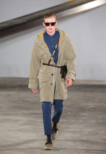 Lenz von Johnston3012_FW10_NY_3.1 Phillip Lim(WWD)