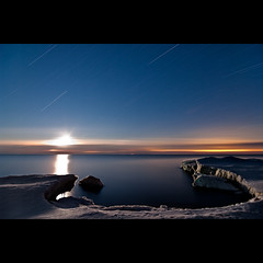 K20D4742 (Bob West) Tags: longexposure nightphotography winter moon ontario ice night lakeerie greatlakes fullmoon moonrise moonlight nightshots startrails 2c southwestontario bobwest k20d pentax1224 gaju2810