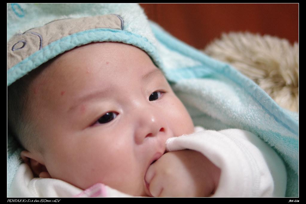 寶寶的四個月紀念^^