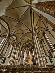 Verticalidad como inspiracin (Javier Enjuto Garca) Tags: berlin arquitectura olympus alemania spandau berln e510 roybatty zd714mm ysplix enjuto javierenjuto javierenjutogarca