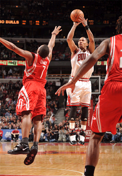 Derrick Rose has become a jump shooter. But is that a good thing?