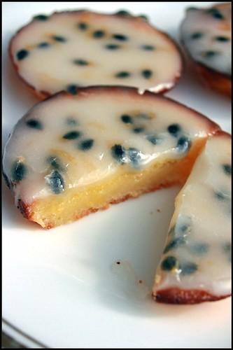 4460207188 3e416a9eef Stromboli aux piquillos, coppa et mozzarella   Petits gâteaux aux fruits de la passion