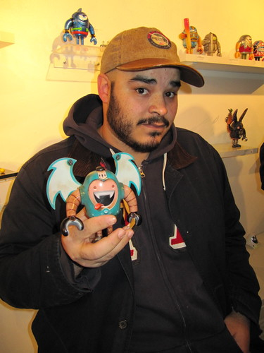 Lu Pimentel shows off his custom Sketchbot by TenaciousBenny.